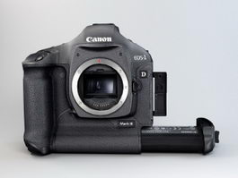 Canon EOS-1D Mark III 3d model