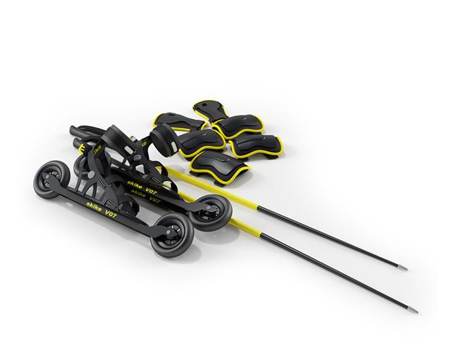 Inline racing skates and kneecap 3d rendering