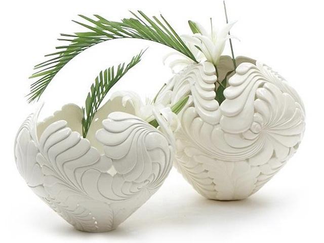 Hollowed-out Ceramic Vase 3d rendering